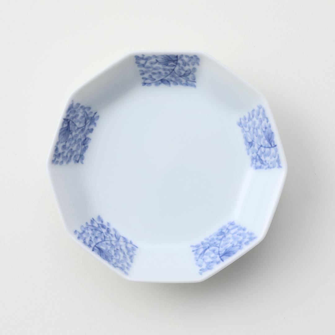 牡丹唐草文豆皿(市松形)