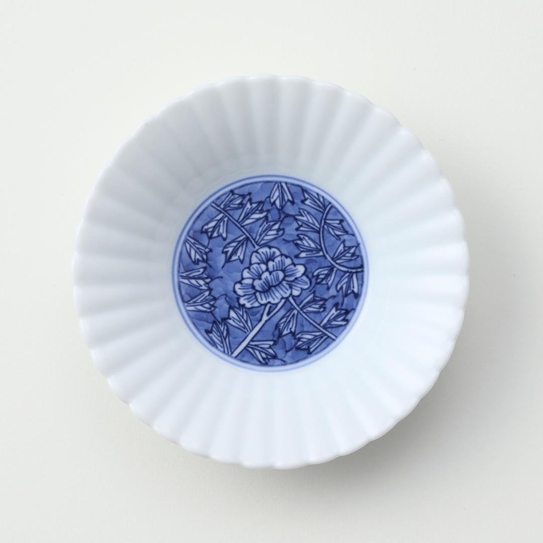 牡丹唐草くじり文豆皿(内絵)