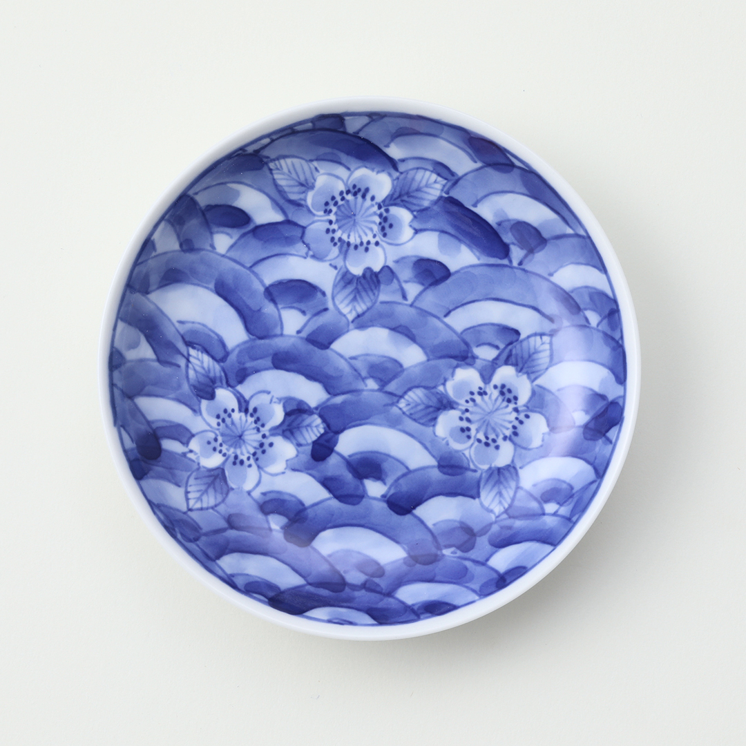 染付青海波に桜絵豆皿