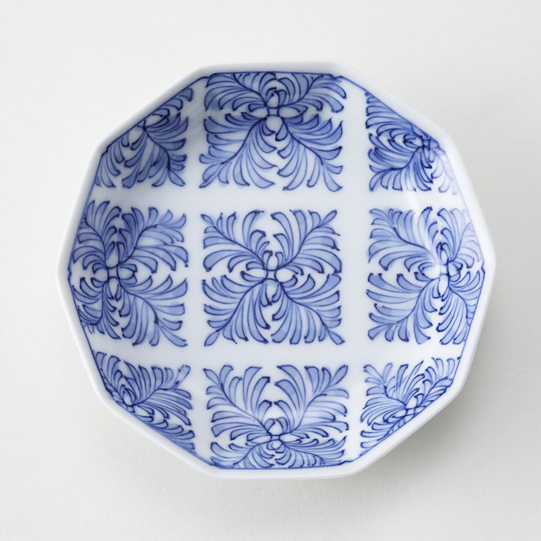 染付羊歯菱紋豆皿