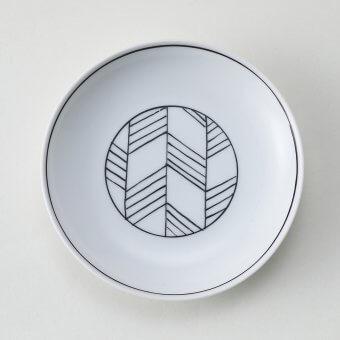 太白黒根引松豆皿