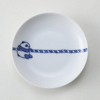 綱引きパンダ豆皿(左)